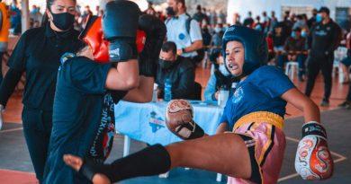 JOVENS DO BAIRRO SÃO CONRADO QUE PARTICIPAM DE PROJETO DA PREFEITURA SÃO DESTAQUES EM CAMPEONATO ESTADUAL DE KICKBOXING
