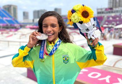 Rayssa Leal conquista prata no Japão e se torna brasileira mais jovem a conquistar medalha olímpica